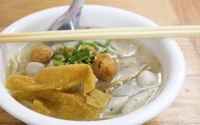 魚のすり身入り汁麺 ~クイティアオ・ルークチンプラー~