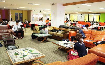 「学生のニーズに応えるサービスを。 気軽に利用できる図書館をめざして」 ~ブラパー大学図書館長 イー先生~ web版
